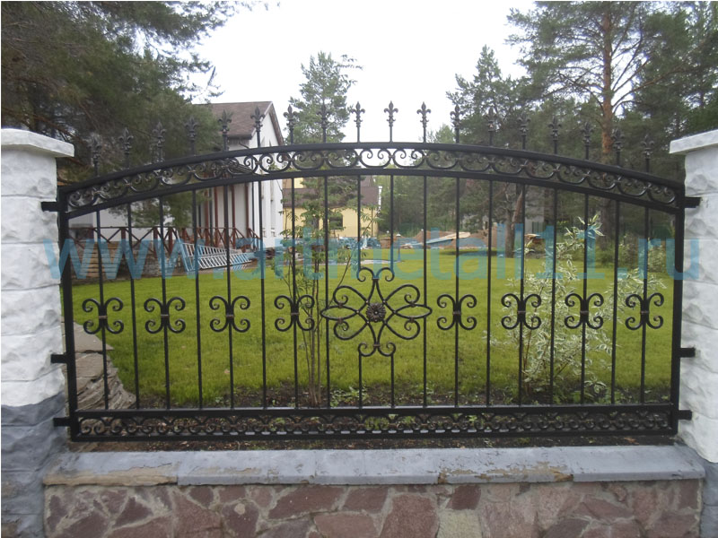 Кованый забор в Сыктывкаре