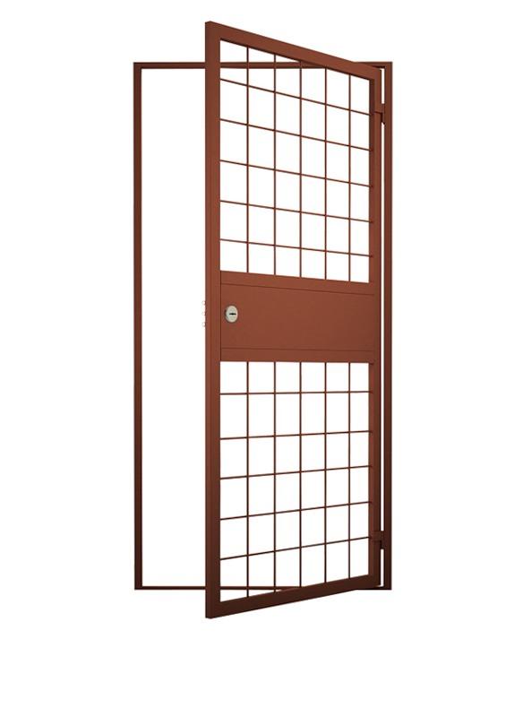 металлические решетчатые двери в Сыктывкаре. тамбурная решетчатая дверь